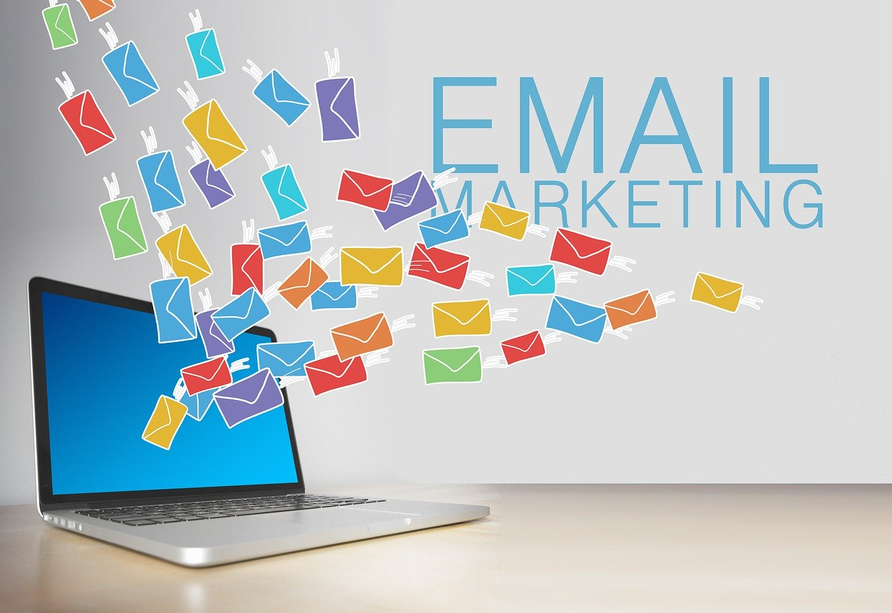 Email Marketing 101:Ways To Grow Your Writing Business With Email In 4 Simple Steps